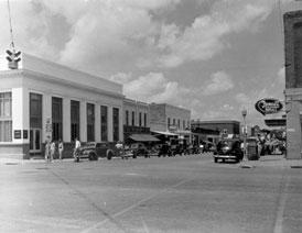 Photo---Live-Oak---East-Howard-Street-looking-West---1948---1
