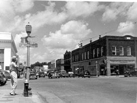 Photo---Live-Oak---East-Howard-Street-looking-West---1948---2