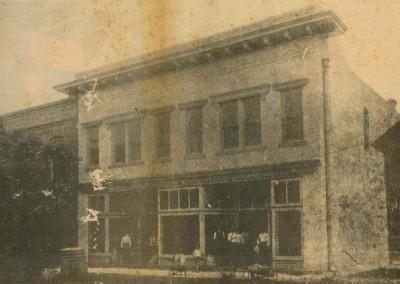 Photo---Live-Oak---Hair-Hardware-Company---1908