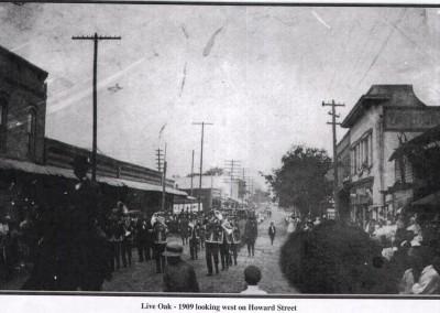 Photo---Live-Oak---Looking-West-on-Howard-Street---1909