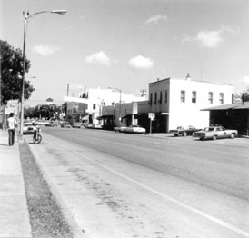 Photo---Live-Oak---Ohio-Avenue-looking-North-from-Courthouse---1974
