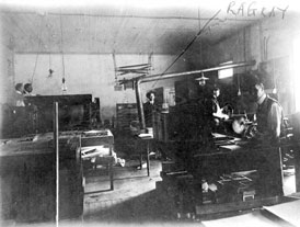 Photo---Live-Oak---Printing-Office---1907---R.-A.-Gray-in-Background