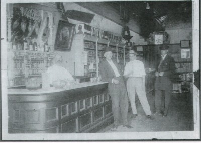 Photo---Live-Oak---Unknown-Drug-Store---Early-1900s