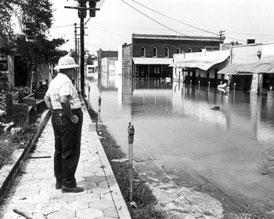 Photo---Live-Oak---Warren-Street-looking-West-after-Hurrican-Dora---1964