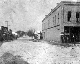 Photo---Live-Oak---West-Howard-Street-looking-West---1899