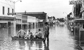 Photo---Live-Oak---West-Howard-Street-looking-West-after-Hurricane-Dora---1964---2