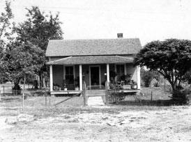 Photo---Near-Live-Oak---Residence-of-Tedder-before-Remodeling---1927