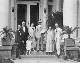Photo---People---Cary-Hardee-Family---1922