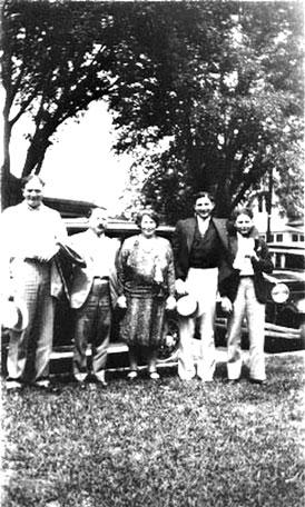 Photo---People---Gibbs-Family---Sam-Gibbs,-Ben-Gibbs-(father),-Gussie-Gibbs-(mother),-David-Gibbs-(moved-to-De-Land),-Irving-Gibbs-(moved-to-Orlando)---1926
