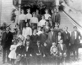 Photo---People---Students-and-Teachers-of-the-Pleasant-Hill-School---Unknown-School-Location---1910