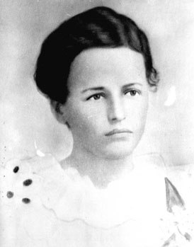 Photo---People---Zoel-Johns-Peeples-Hodge---Early-1900s-at-age-18---see-summary-for-notes