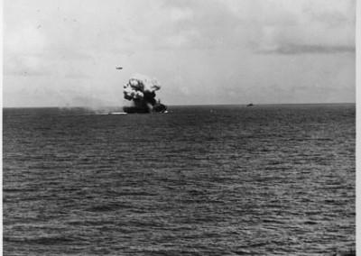 Photo---U.S.S.-Suwannee-(CVE-27)---After-Kamikaze-hit---10-26-44---1