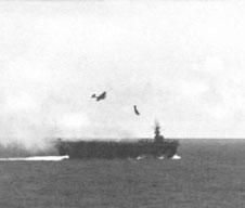 Photo---U.S.S.-Suwannee--(CVE-27)---Kamikaze-diving---10-26-44---1